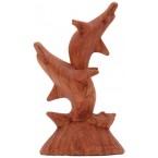 Дървена фигура на делфини