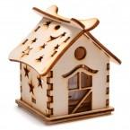 Светеща дървена къщичка