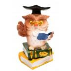 Бухал с академична шапка