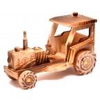 Дървен трактор