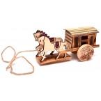 Дървена карета с два коня