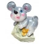 Фигурка на плъх върху пари