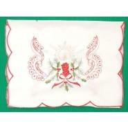 Бяла коледна покривка с тематична украса - 1-ва снимка.