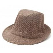 Кафява зимна шапка с периферия - снимка 1.