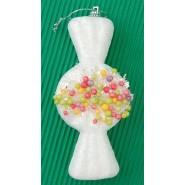 Коледна украса за елха - бяла фигурка с форма на бонбон и разноцветни топчета посредата.