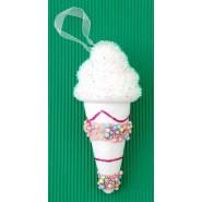 Коледна фигурка за окачване на елха - сладолед с декорация на фунийката.