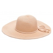 Светлокафява шапка с въженце