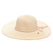 Дамска шапка с въженце