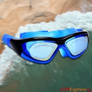 Очила за плуване + прозрачна кутия