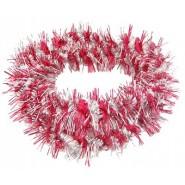 Коледен гирлянд с преплетени сребърни и червени блестящи нишки.