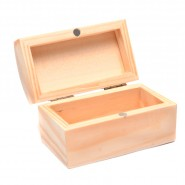 Дървена кутия 8.5х5х5см