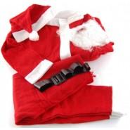 Костюм на Дядо Коледа с брада, колан и шапка.