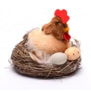 Кокошка в гнездо с яйца