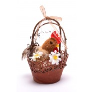 Кокошка в кошница