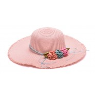 Розова шапка с изкуствени цветя