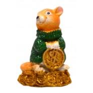 Фигурка на мишка върху монети