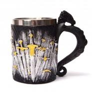 Чаша - трон от мечове
